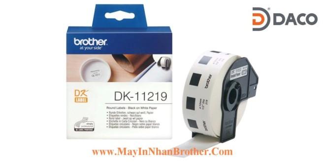 DK-11219 Nhãn giấy Brother DK11219, Tròn 12mm, 1200 miếng, Chữ Đen Nền Trắng